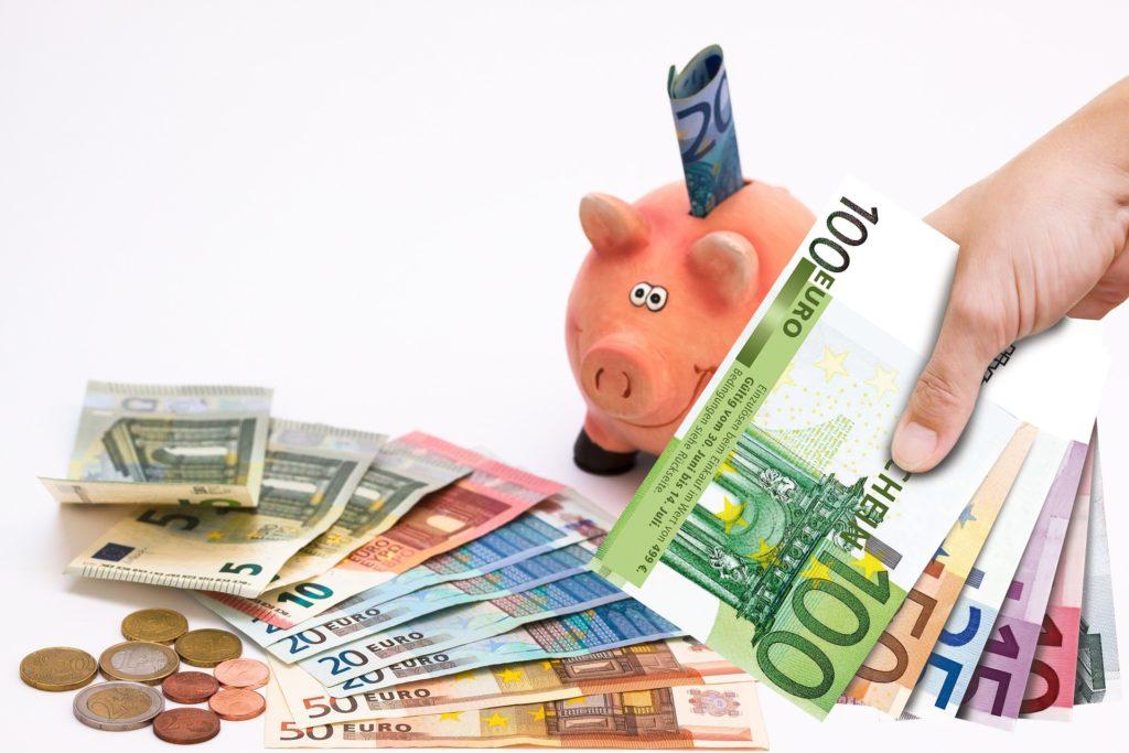 Sparschwein Geldscheine